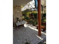 Baška Voda, komforan trosoban stan sa velikom terasom