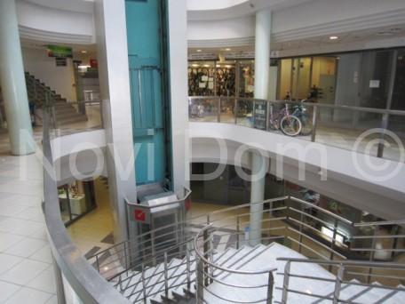 Makarska-poslovni prostor u trgovačkom centru